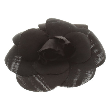 Chanel Camellia broche in zwart