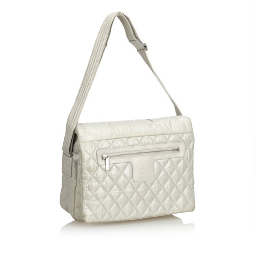 854f7a12738d4 Chanel Cocoon Messenger Bag - Second Hand Chanel Cocoon Messenger ...