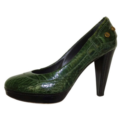 Hugo Boss pumps in reptile look