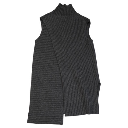 Céline Sleeveless sweater in grey