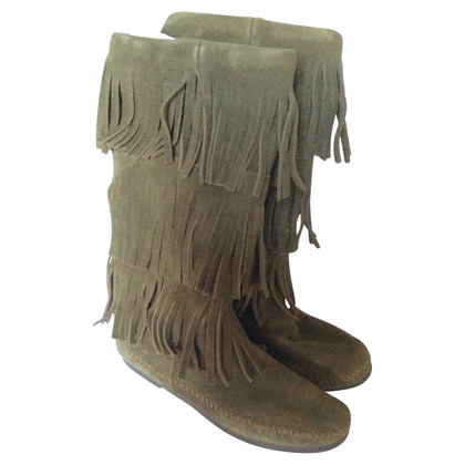 Minnetonka 3 couche Fringe Boot