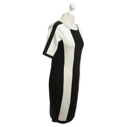 Karen Millen Dress in black and white