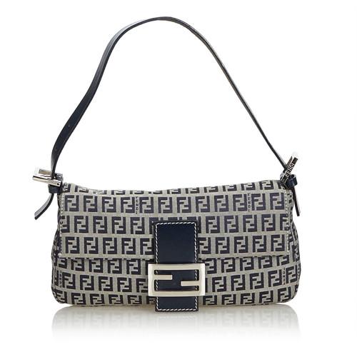 Fendi Baguette Bag - Second Hand Fendi Baguette Bag buy used for 399 ... b250cc93ed6