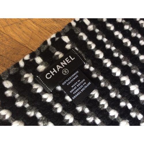 Chanel Echarpe Foulard en Cachemire en Noir - Acheter Chanel Echarpe ... 2fac39b33d4