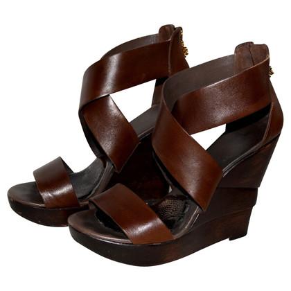 Diane von Furstenberg wig sandalen