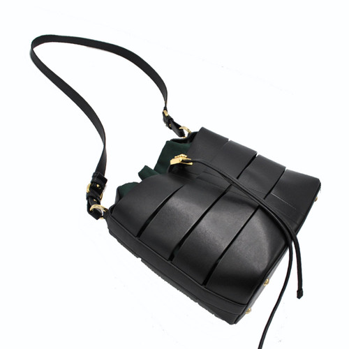 7b21e9aa43 Salvatore Ferragamo Shoulder bag Leather in Black - Second Hand ...