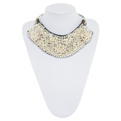 La Perla Halskette mit Kunstperlen