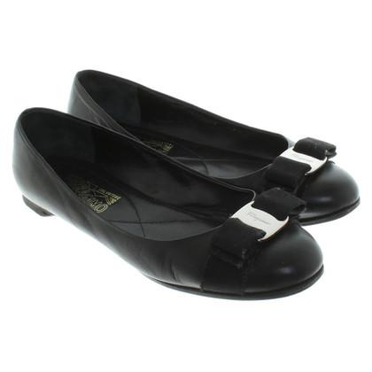 Salvatore Ferragamo Ballerina's in zwart