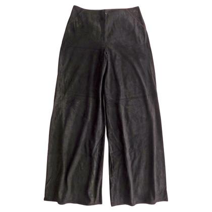 Fendi Pantaloni larghi in pelle scamosciata nera