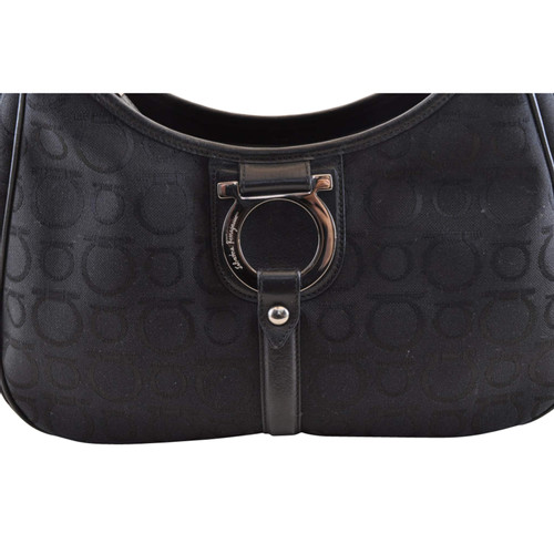 ba25ad4a9f Salvatore Ferragamo Gancini Bag in black leather - Second Hand ...