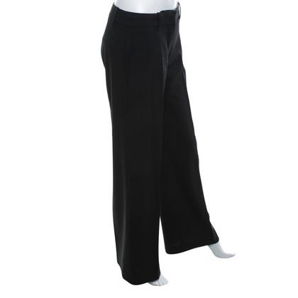 Hugo Boss Creased trousers in black