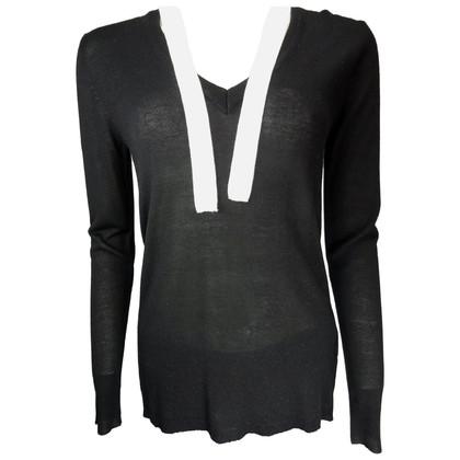 Pierre Balmain Black v-neck sweater with White Ribbon