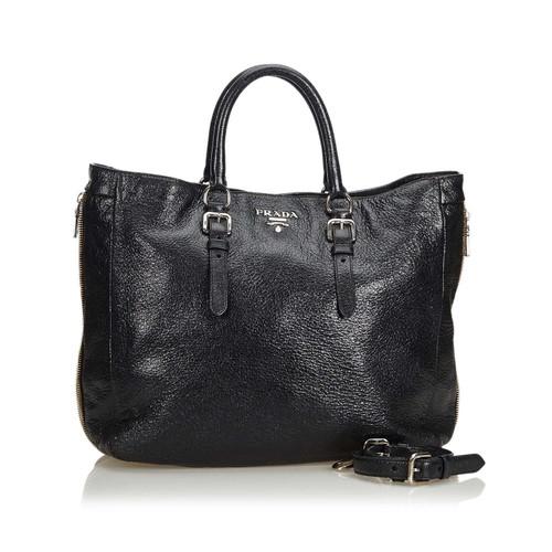 c5bfbe0683e5 Prada Shoulder bag Leather in Black - Second Hand Prada Shoulder bag ...