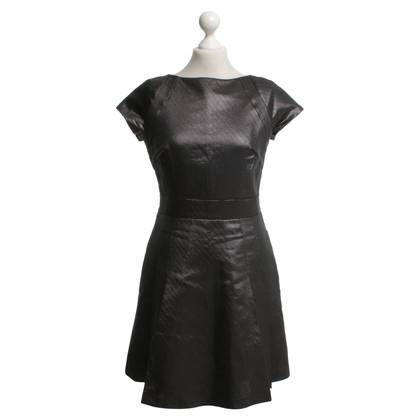 Reiss Kleid in Metallic-Optik