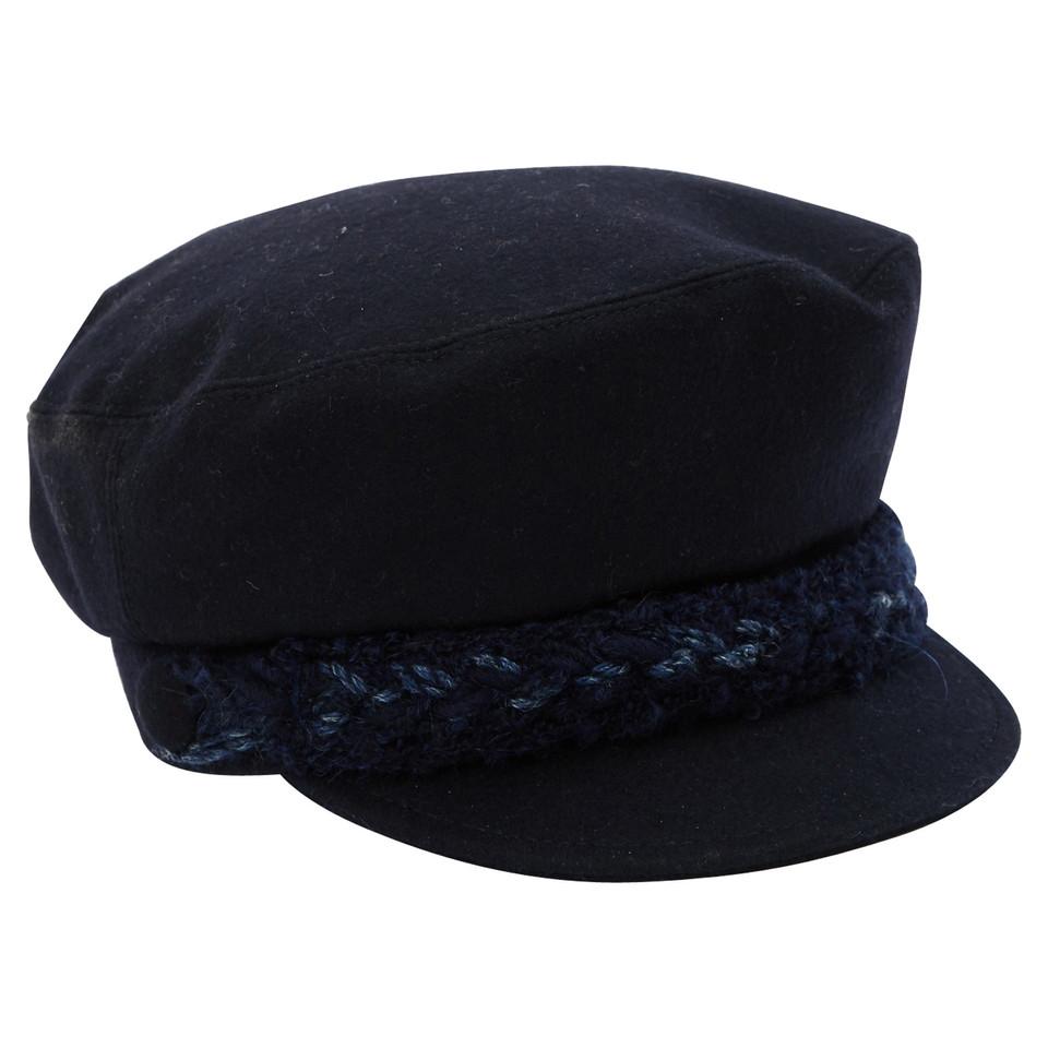 Chanel Mütze im Kapitänslook