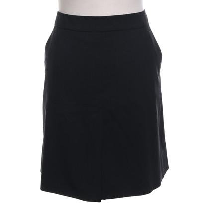 Hugo Boss skirt in black