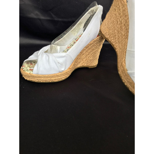 c5706d080174 Tommy Hilfiger Wedges Canvas in White - Second Hand Tommy Hilfiger ...