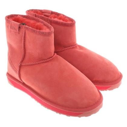 Emu Australia Fur boots in pink