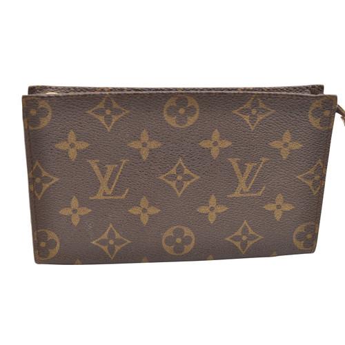 6a3d53a103395 Louis Vuitton Pochette from Monogram Canvas - Second Hand Louis ...