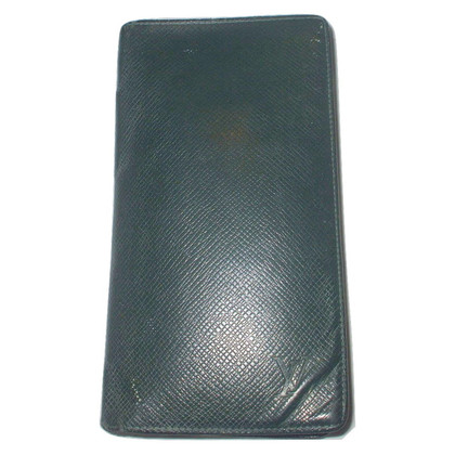 Louis Vuitton Taiga leather card holder