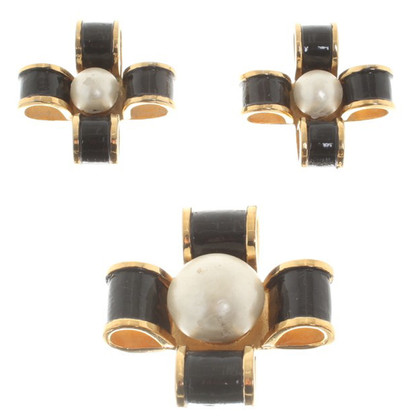 Chanel Set of brooch and ear clips