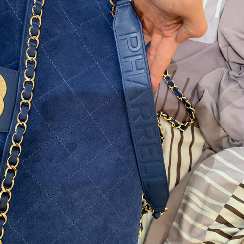 8cda25aa60d Chanel Chanel X Pharrell - Tote bag Suede in Blue - Second Hand ...