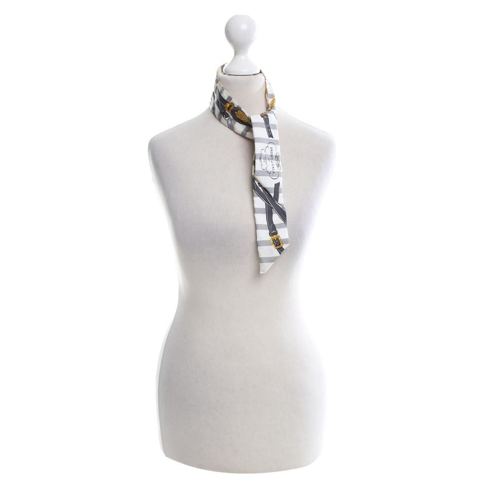 herm s foulard de soie twilly acheter herm s foulard de soie twilly second hand d 39 occasion. Black Bedroom Furniture Sets. Home Design Ideas