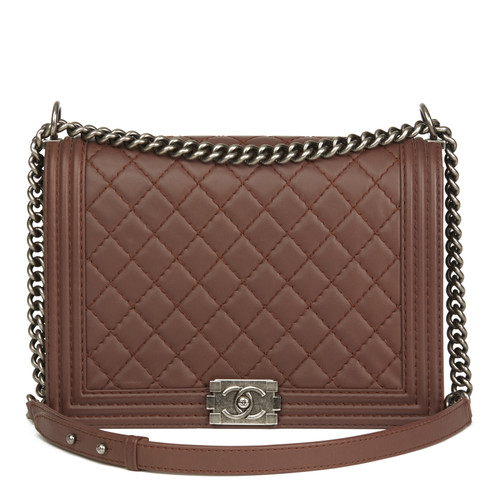 3dc90102841b66 Chanel Boy Bag Large made of leather in brown - Second Hand Chanel ...