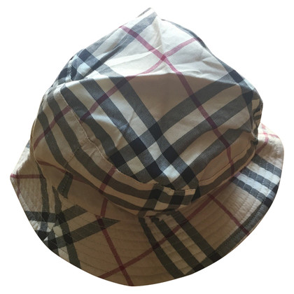 Burberry Hat with reversing function