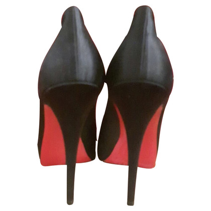 Christian Louboutin Very Prive '