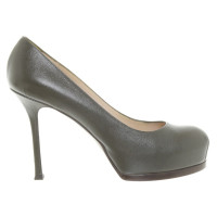 Yves Saint Laurent pumps in olive green