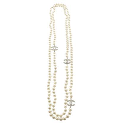 Chanel Perlenkette mit Logo-Elementen