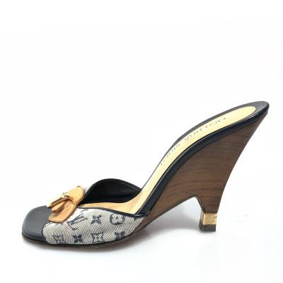 16947f76c5 Louis Vuitton Wedges Second Hand: Louis Vuitton Wedges Online Store ...