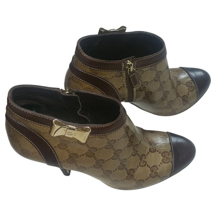 Gucci  Ankle boots with bow
