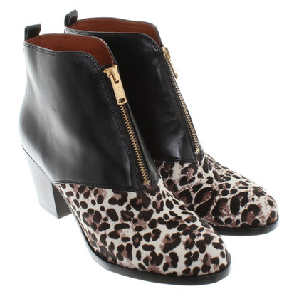 Marc Jacobs Boots in Animal Art