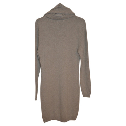 Allude Cashmere dress with shawl collar