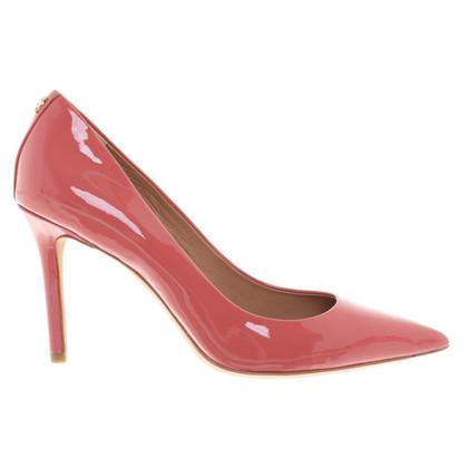 Coach koraalrood pumps