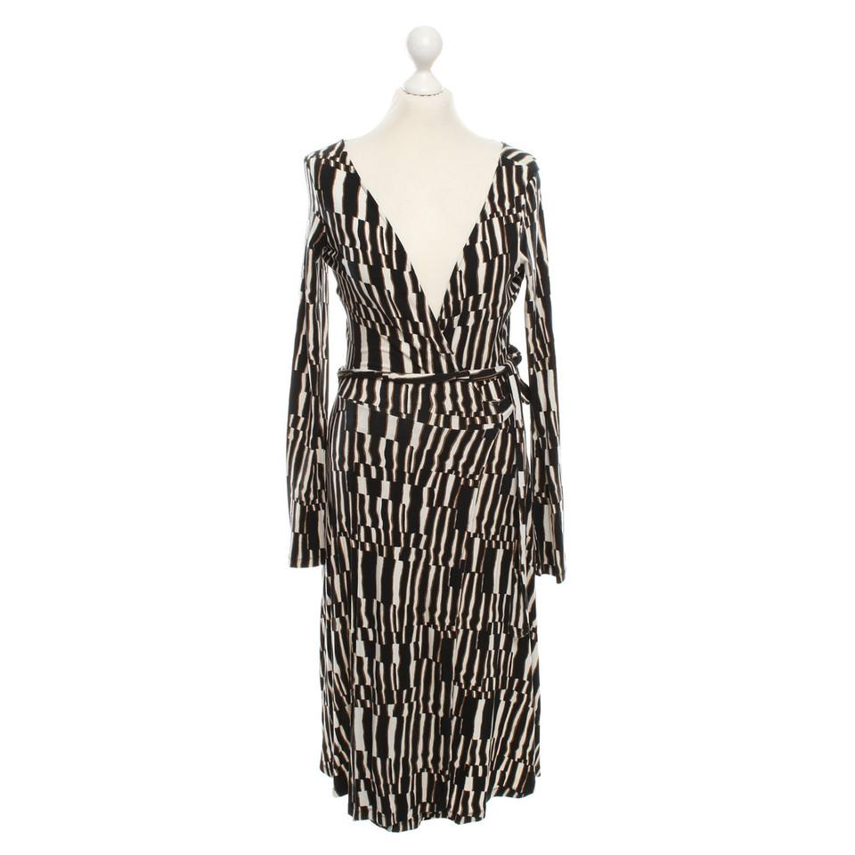 diane von furstenberg robe portefeuille jane avec motif acheter diane von furstenberg robe. Black Bedroom Furniture Sets. Home Design Ideas