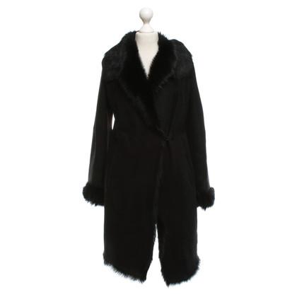 Strenesse Blue Lambskin coat in black