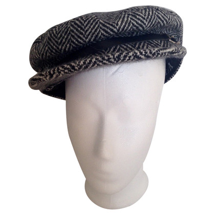 Burberry Tweed Cap