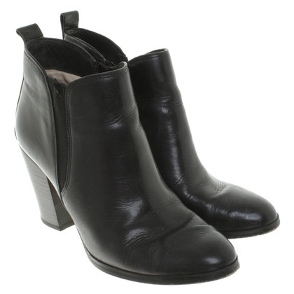 Michael Kors Ankle boots in black