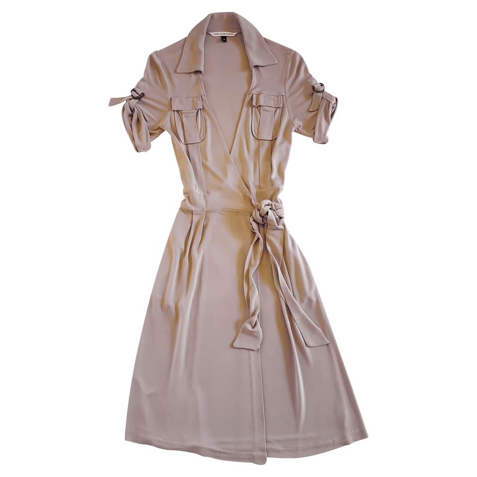 diane von furstenberg robe portefeuille couleur sable acheter diane von furstenberg robe. Black Bedroom Furniture Sets. Home Design Ideas