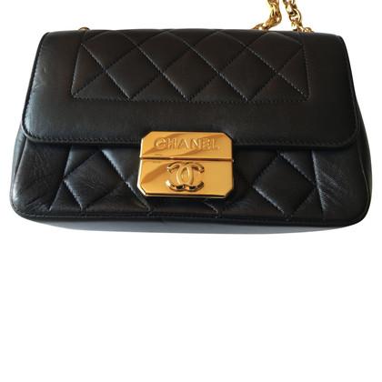 Chanel Umhängetasche in Schwarz
