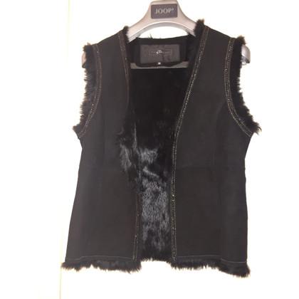Style Butler Fur vest in black