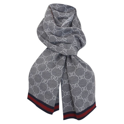 Gucci Knit scarf in grey