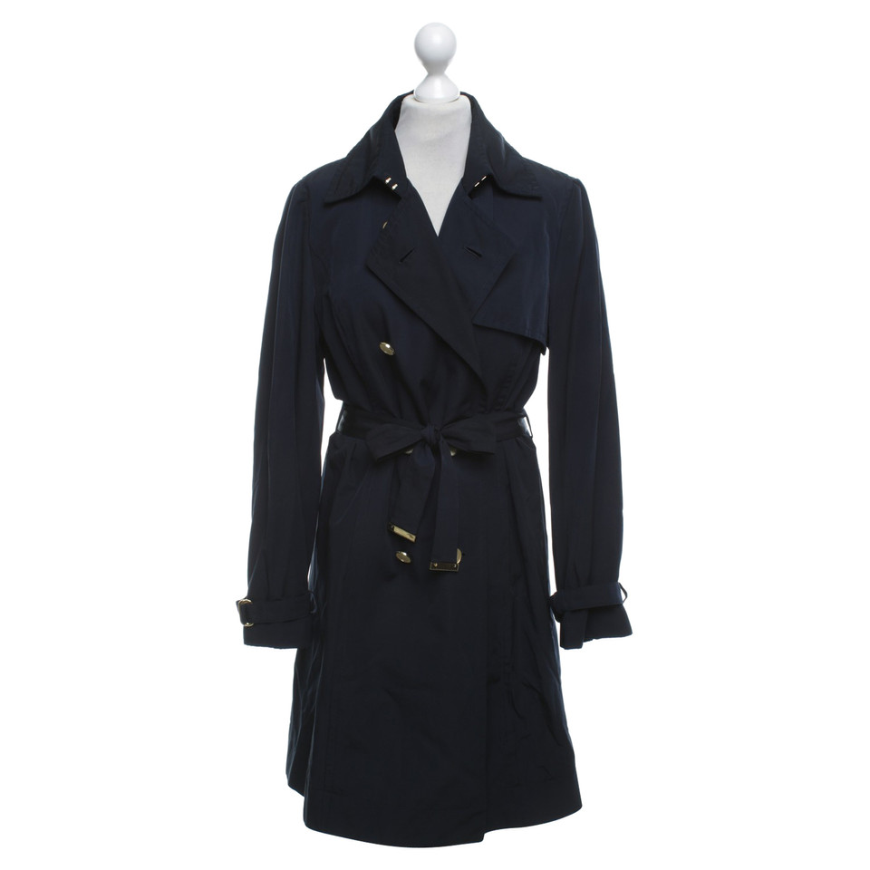 hugo boss trenchcoat in dunkelblau second hand hugo boss trenchcoat in dunkelblau gebraucht. Black Bedroom Furniture Sets. Home Design Ideas
