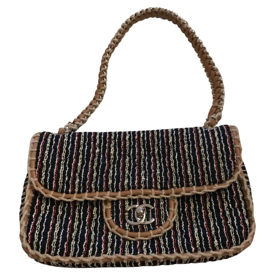 chanel tweed tasche second hand chanel tweed tasche gebraucht kaufen f r 1327000. Black Bedroom Furniture Sets. Home Design Ideas