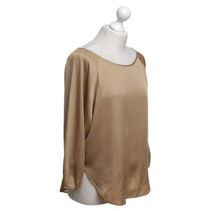 Vince top in gold