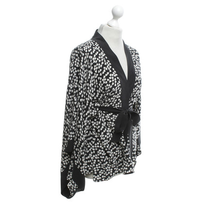 Equipment Kimono blouse in black and white