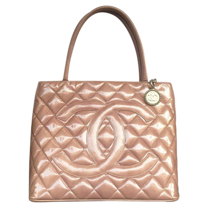 "Chanel ""Medallion Tote"" aus Lackleder"